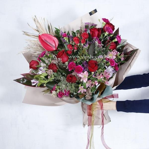 دسته گل فانتزی- گلفروشی آنلاین VIP Shop
