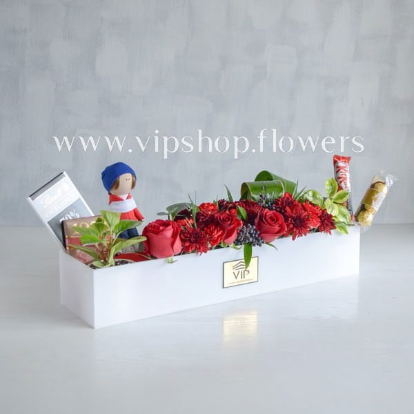 بسته گل و شکلات