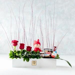 جعبه گل ولنتاین- بسته گل و شکلات