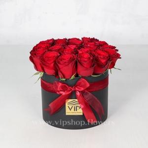 جعبه گل رز قرمز- گلفروشی آنلاین VIP SHop
