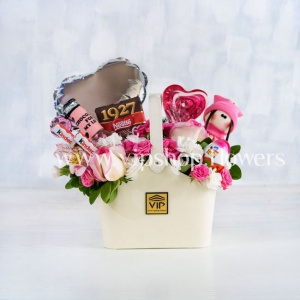 بسته گل و شکلات شماره 22