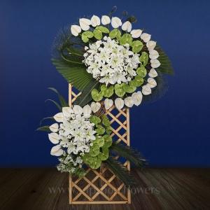 تاج گل پایه چوبی لیلوم آنتوریوم - گلفروشی آنلاین VIP Shop