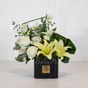 باکس گل رز لیلیوم سفید - گلفروشی آنلاین VIP Shop